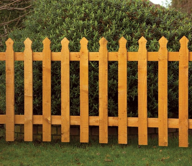 Everyone admires a country cottage garden and one of the most important elements is a beautiful picket fence.