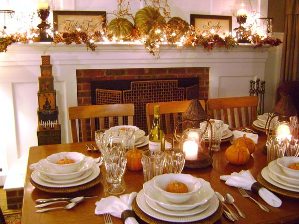 112 best images about holiday dining decor inspired for Dining room tablescapes ideas