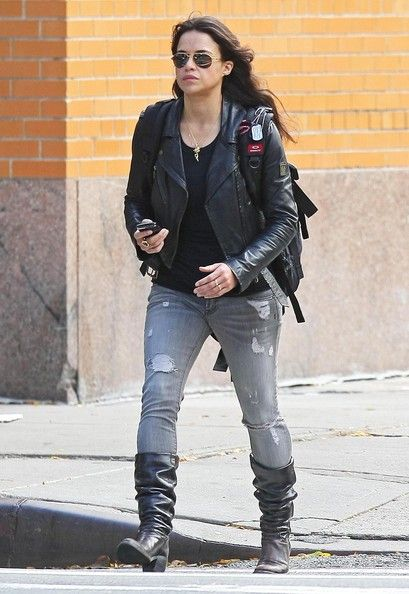 Michelle Rodriguez New Girlfriend | Michelle Rodriguez Actress Michelle Rodriguez takes a walk through ...