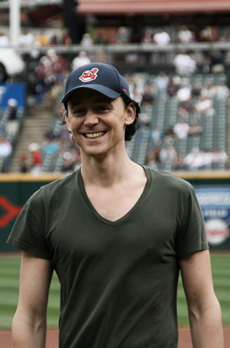 Tom Hiddleston-Does he has an Indians hat on?  I'm so, so much more in love now!