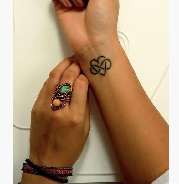 21 Cute Tattoos for Women on Wrist