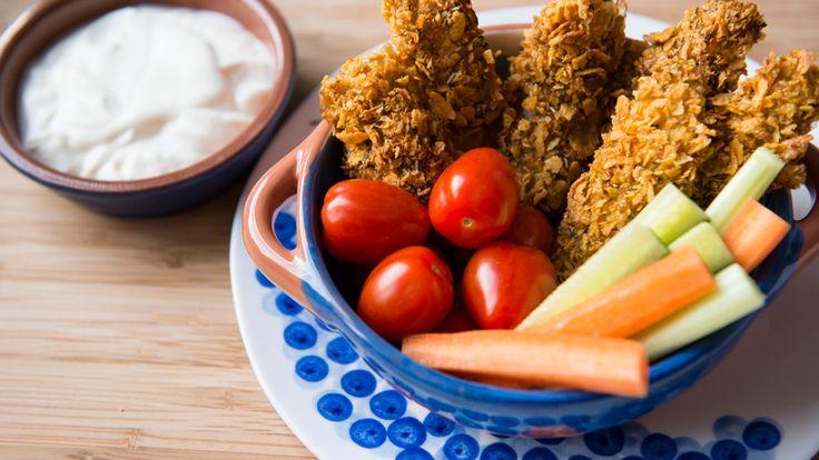 Bâtonnets de tilapia congelés recouverts de céréales de maïs, paprika, cumin, zeste de citron et fines herbes. Cuire 15 à 20 minutes au four.