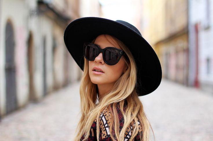 New big hat | CzechChicks