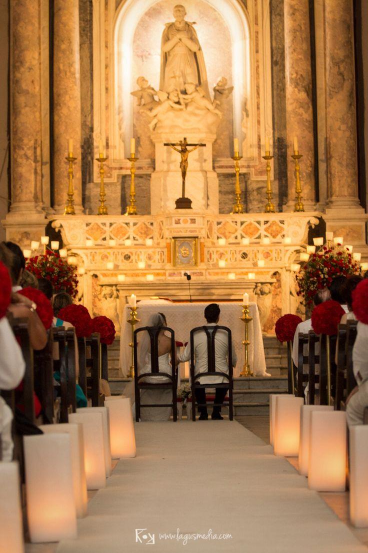 Decoración para boda católica en la Iglesia San Pedro Claver de Cartagena…