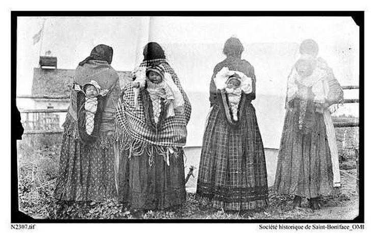 Saskatchewan: moss bags/baby carriers. Chippewiyan Baby. 1914.