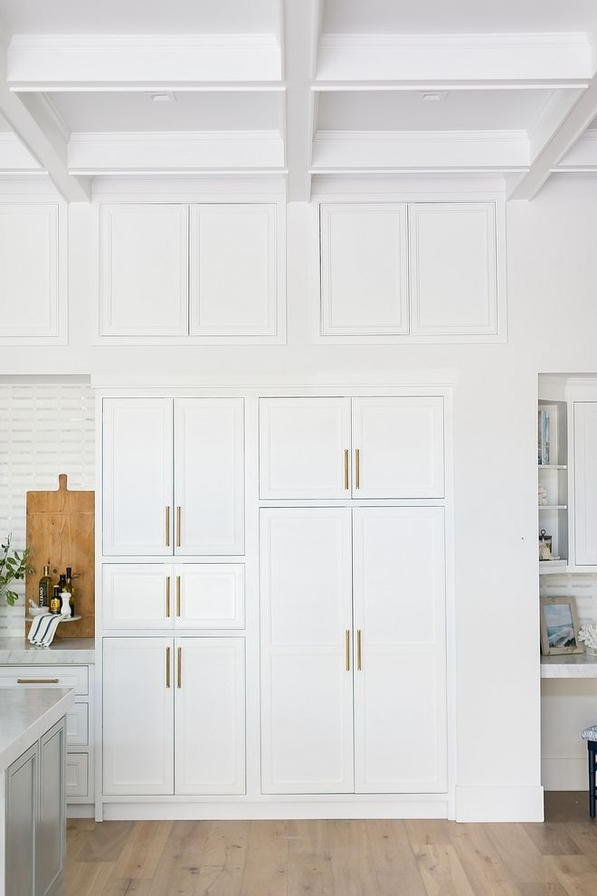Kitchen Shaker Style Cabinet Doors Without Using Glass Cabinets Are Shaker Style Pl White Shaker Kitchen Shaker Kitchen Cabinets White Shaker Kitchen Cabinets