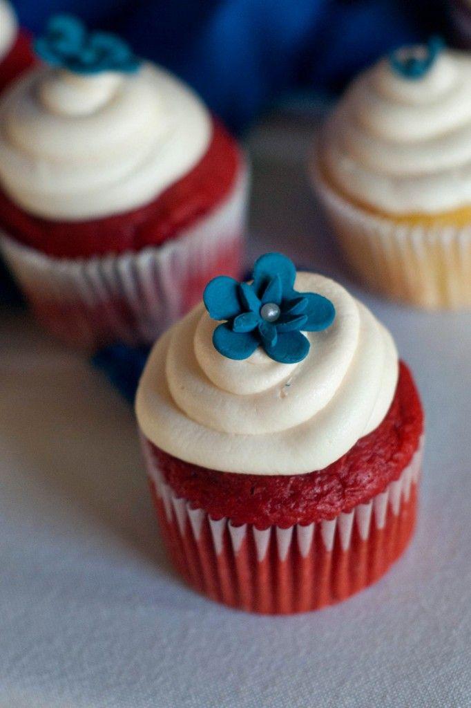 Easy Red Velvet Cupcakes | http://www.heatherlikesfood.com/easy-red-velvet-cupcakes/