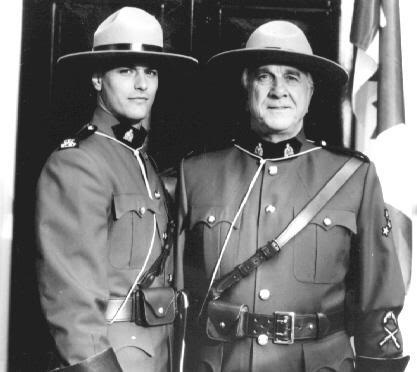"""Paul Gross and Leslie Nielsen in """"Due South"""""""