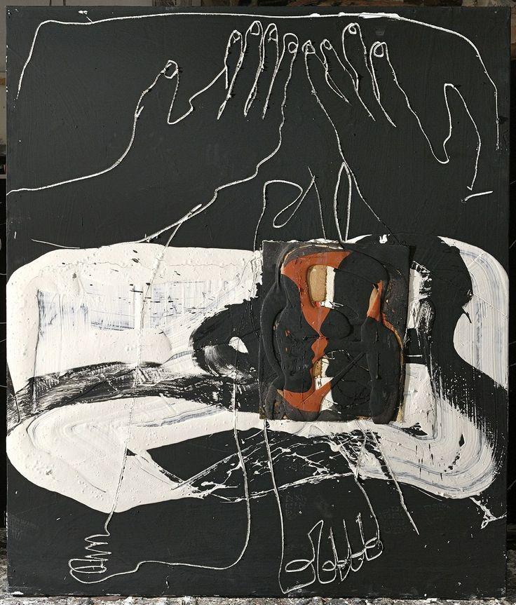 Two figures between hands and feet :: Agustí Puig