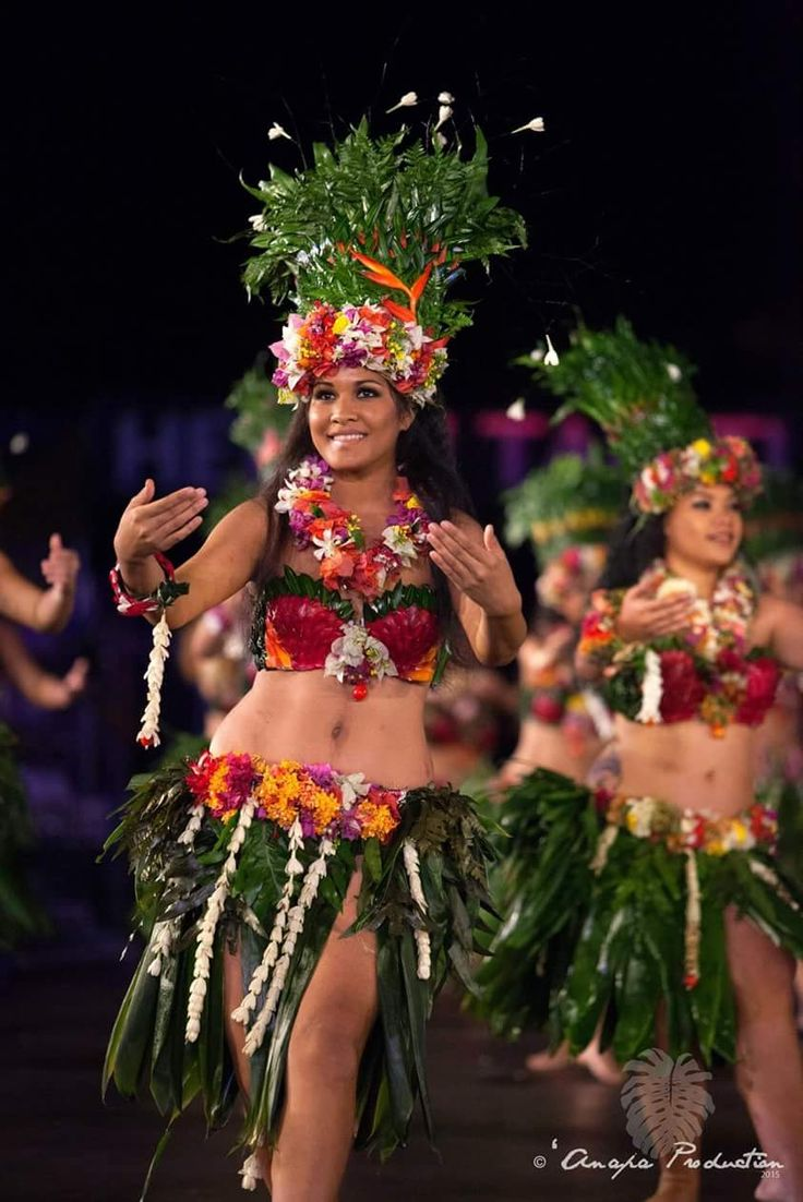 Tahitian Topless 46