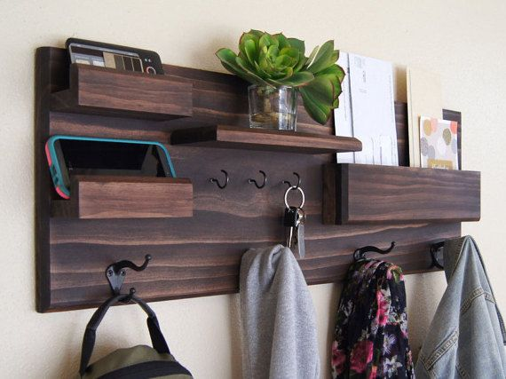 Coat and Key Hooks Entryway Organizer Mail por MidnightWoodworks