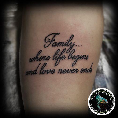 Τατουαζ γραμματα για την οικογενεια προτεινεται παντα απο το Acanomuta tattoo studio