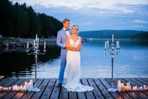 Фотосессия у воды: свечи, романтика