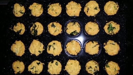 Spinach and Cheese Muffin, fresh from the oven.. smells amazing! #spinach #cheese #muffin