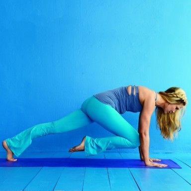 5 Postpartum yoga poses for abs