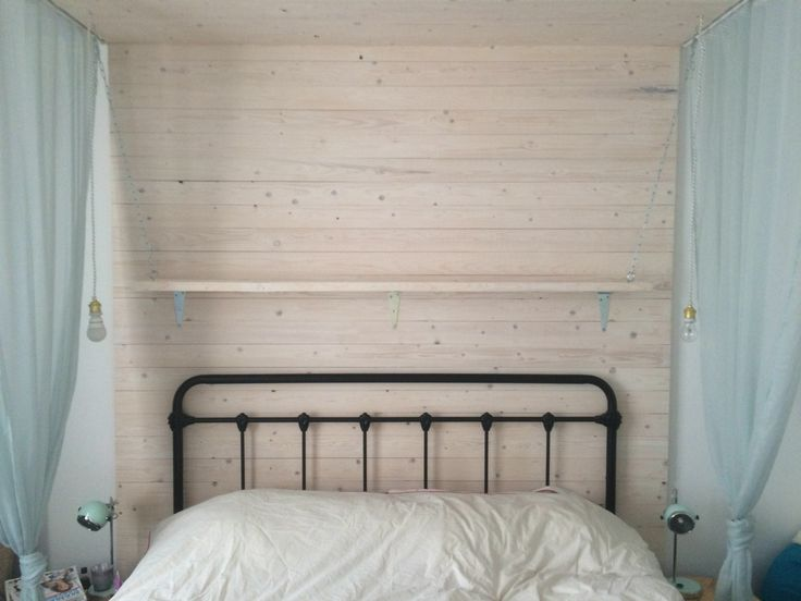 9 best home images on pinterest krijtbord markers raam for Plank boven bed