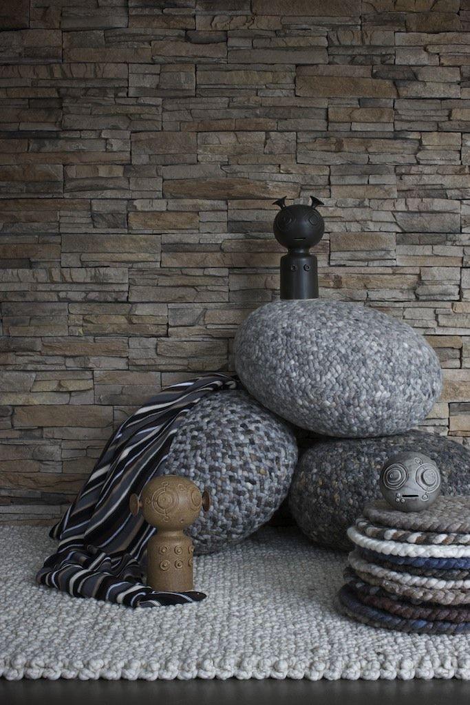 Lounge #Poef #wol #wool #vloerkleed #carpet #rug#www.perlettacarpets.nl