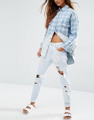 Рваные джинсы бойфренда Honey Punch