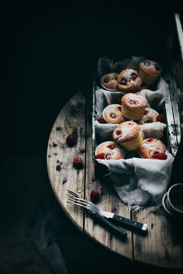 raspberry almOnd muffins: