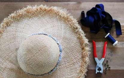 Cappelli estivi fai da te: le idee più cool [FOTO] - Ecco tante idee fai da te creative per realizzare o rinnovare con fantasia i cappelli estivi. Non occorrono grandi abilità manuali, bastano i consigli giusti e il gioco è fatto.