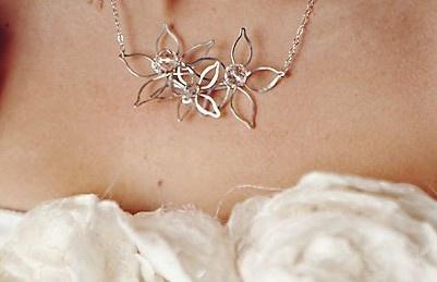 Petals Trio necklace