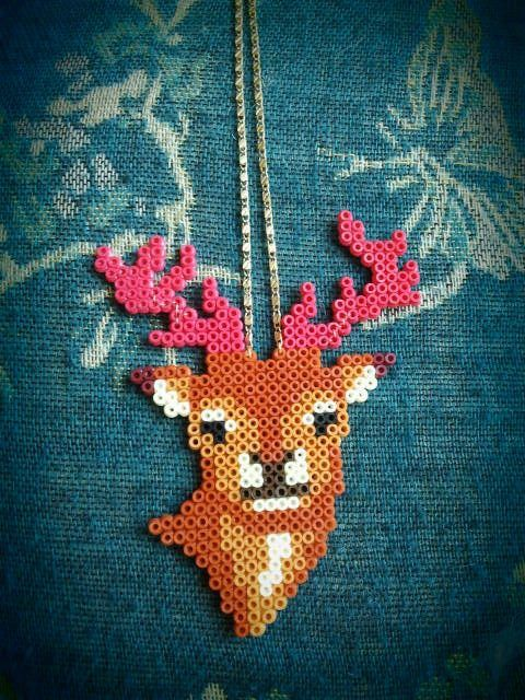 deer perler bead necklaceBeads Necklaces, Fused Beads, Deer Necklaces, Perler Beads, Crosses Stitches, Deer Perler, Hama Beads, Diy, Bead Necklaces