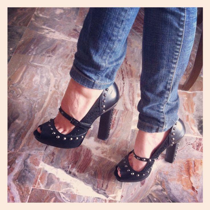 #Instagram Scarpe col tacco, nere con le borchie. Super rock!!! Si cool! brand: Fornarina