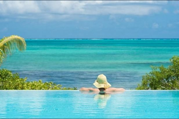 From Here To Infinity: Sensational Infinity Pool Vacation Rentals - FORGET THE SNOW!  Caribbean Travel Tips