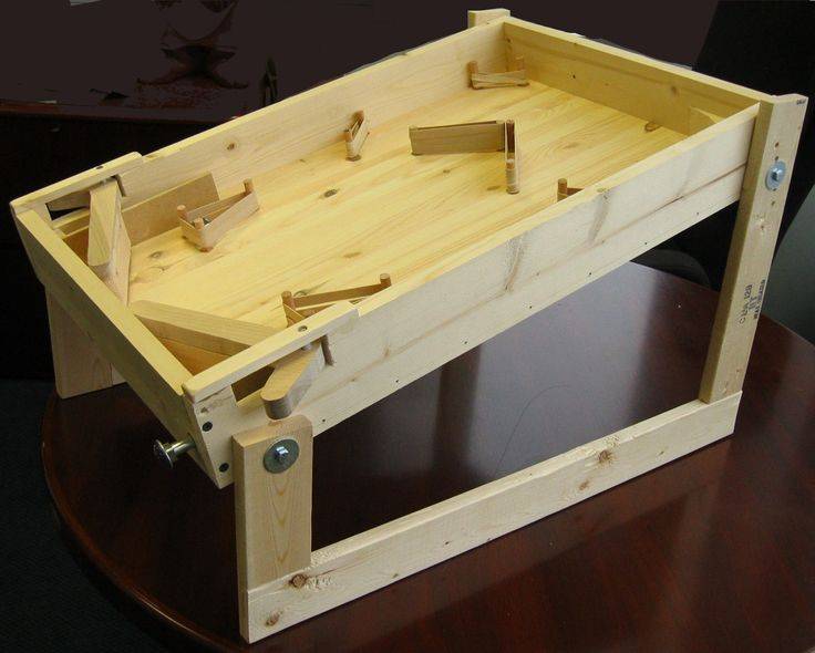 I like the general structure of this wooden pinball game, as it looks modern and simple.