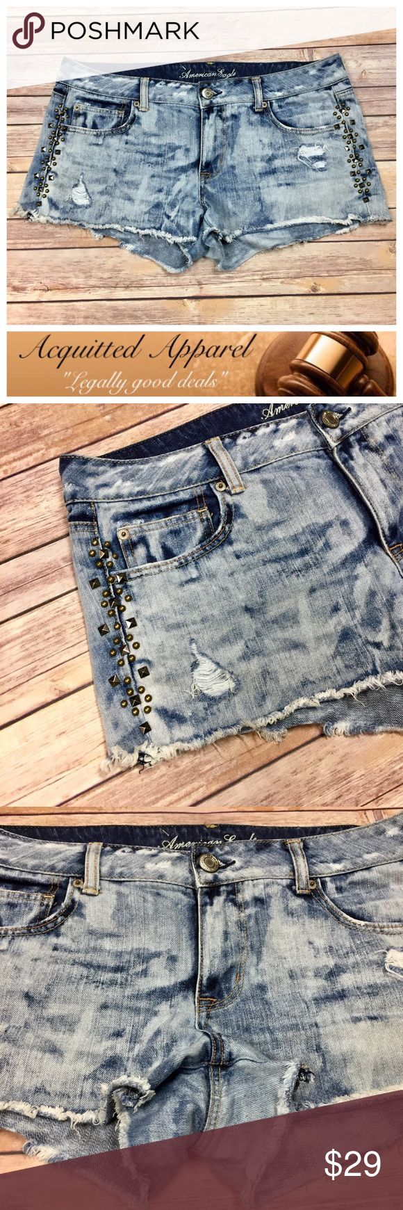 {NWOT} [AE] American Eagle Festival Shorts Denim Beautiful higher rise denim studded acid wash shorts. Size 14. Brand new without tags. American Eagle Outfitters Shorts Jean Shorts