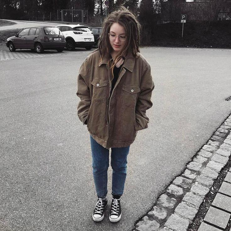 """3,650 Likes, 6 Comments - JANINE JADE ✿ (@encoreever) on Instagram: """"neue Vintage Sachen sind auf @janinejadesale online 🐇 ich Sprüh heute mal noch n paar Shirts…"""""""
