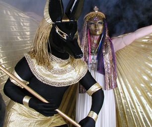 How to construct an Anubis costume