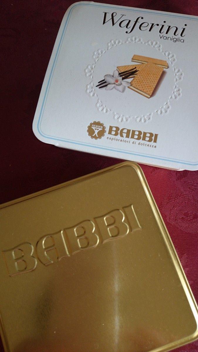 イタリアの美味しいお菓子BABBI★一口サイズの『ワッフェリーニ』ウエハースをいただきました❤この定番バニラが美味しくてたまりません✨ 今、岩田屋B1Fでも買えるみたいですね!ゴールドの缶に綺麗におさめられていて高級感もあるので、贈り物にも喜ばれると思います(^-^)  #お菓子 #ウエハース #バビー #お持たせ