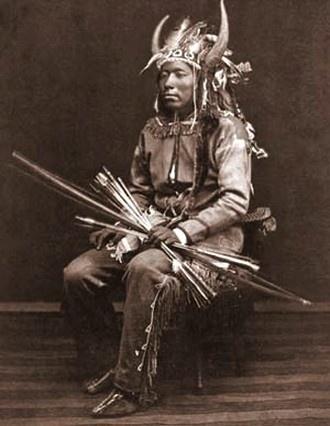 El arco Comanche era mortal dentro de 60 yardas, lo que dio al guerrero comanche…