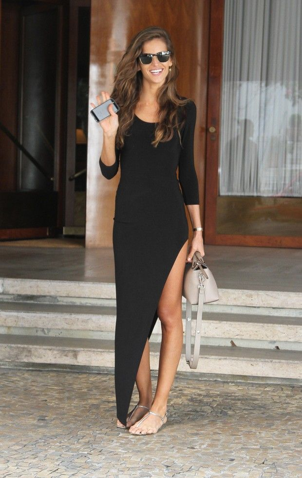 Love this deep cut out slit