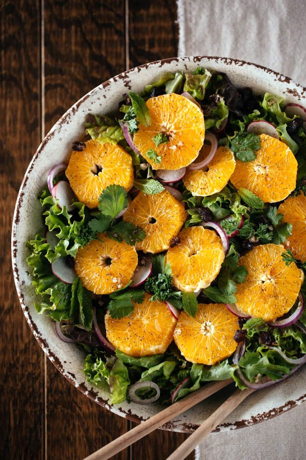 Ottolenghi's Orange and Date Salad | I think it is almost like a salad you would eat in a fancy restaurant and wonder what is in there to make it so delicious. @foolproofliving