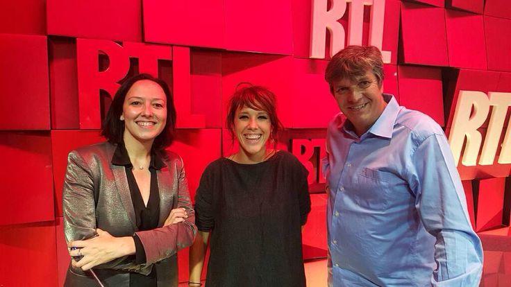 """La chanteuse Zaz invitée de """"RTL Grand Soir"""" avec Agnès Bonfillon et Christophe Pacaud 22h-23h #rtl #RueBayard #Zaz #musique #ChansonFrancaise by rtl_france"""