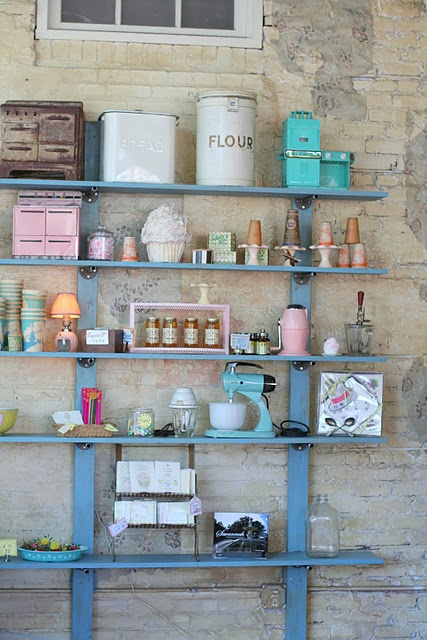 California seriously needs to get on the wagon with decent thift and antique shops... jeeeze