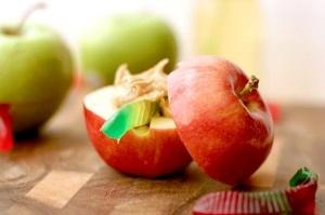 Apple (cut in half) Peanutbutter Jelloworm