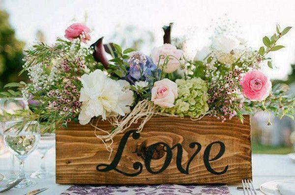 Graceful Vintage Beach Wedding Décor - Beach Wedding Tips