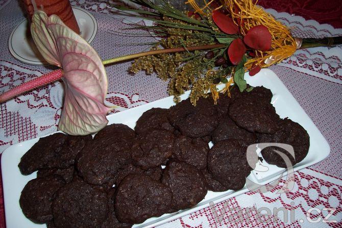 Čokoládové sušenky s kousky čokolády -