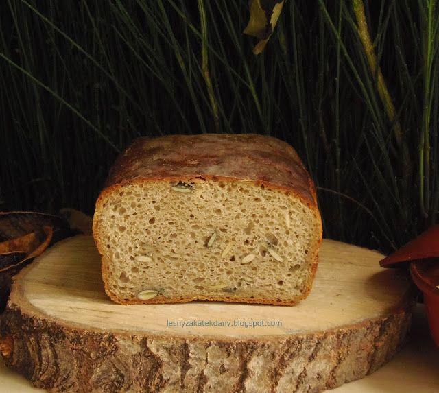 Leśny Zakątek: Chleb pytlowy na zakwasie z pestkami dyni w październikowej piekarni