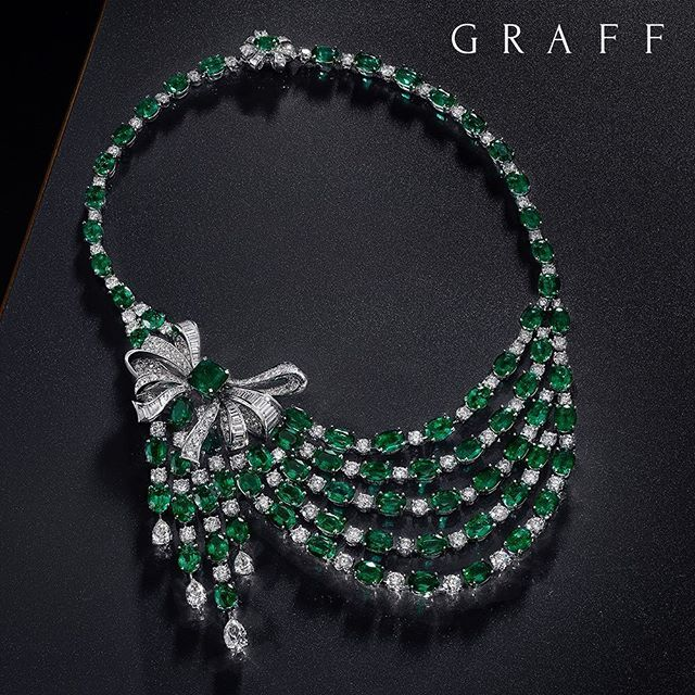 Entrancing emerald This beaded emerald and white diamond necklace features a detachable floral jewel with a 3.66 carat emerald cut Colombian emerald, exemplifying the expertise of the House. #GraffDiamonds #Emeralds #UniqueJewels