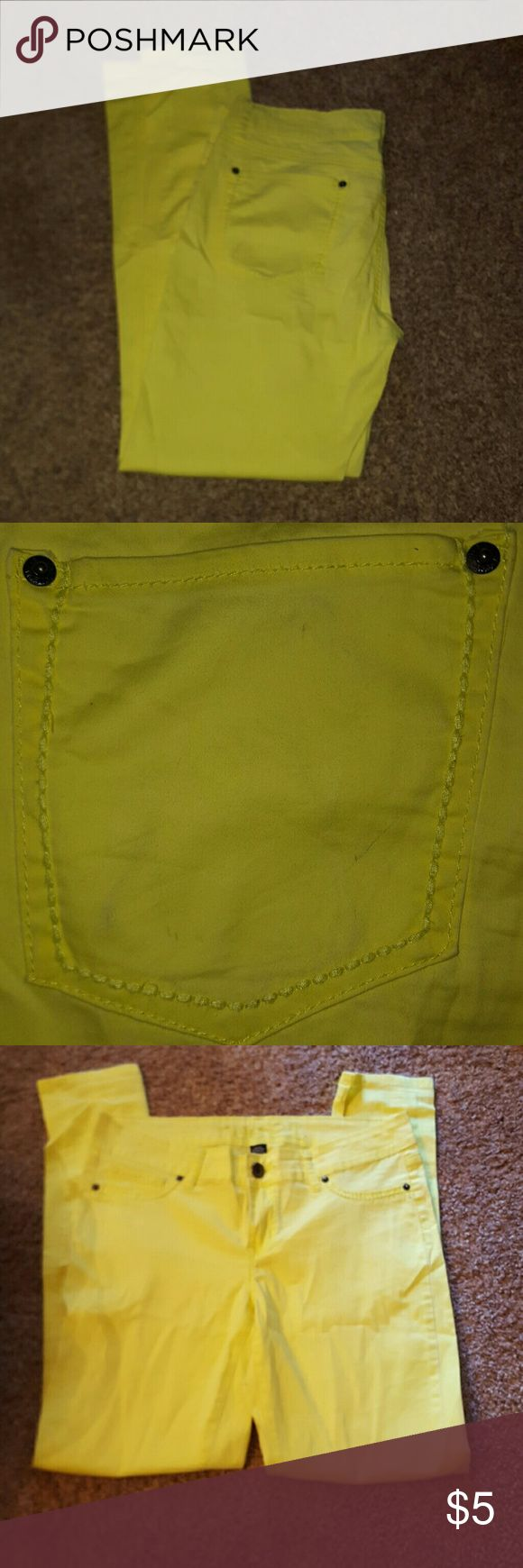 Rue 21 yellow skinny jeans Rue 21 yellow skinny jeans  Size 9/10 These do have faint stains on the butt shown in pictures. Rue 21 Pants Skinny