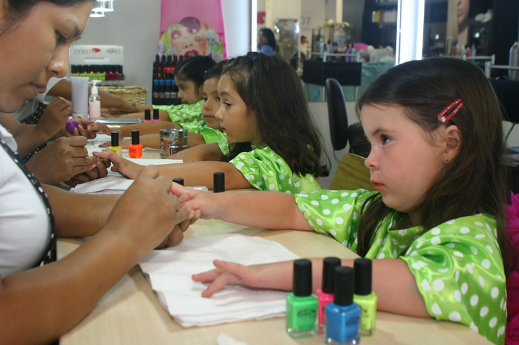 Manicure for kid's