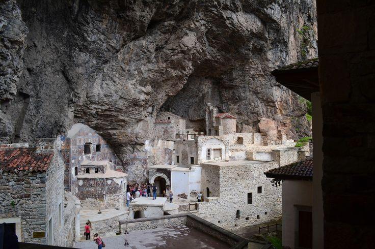 Sümela manastırı (meryemana)