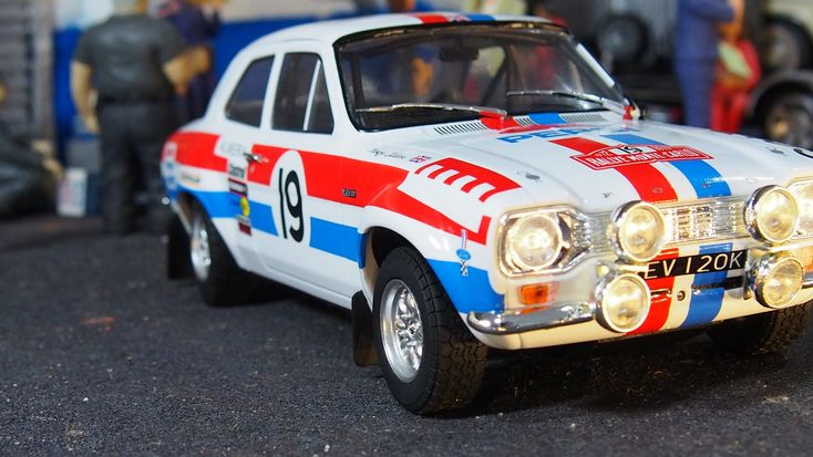 1972 MK1 Ford escort RS1600 Monte carlo by Triple 9  1:18 scale new boxed