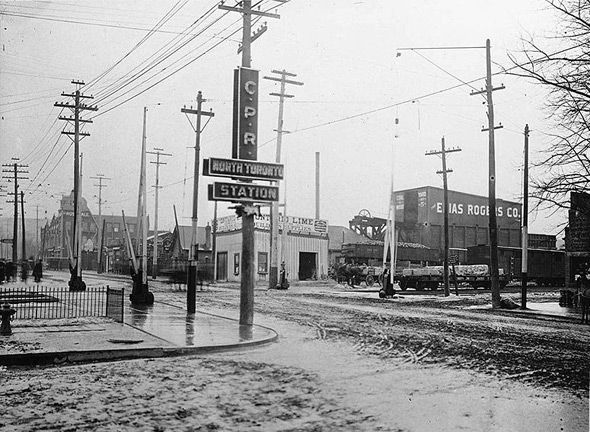 Yonge Street looking southwest from CPR North Toronto Station, 1920. #vintage #1920s #Canada #streets