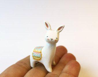 Fantasie schepsel - dierlijke totem - Clay dier - Bunnybrid - Llama en bunny hybride
