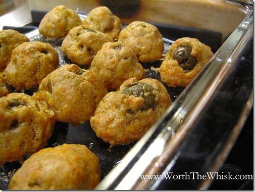 Baked Olives in Cheese Appetizer: Cheesecake Bites, Savory Cheesecake, Christmas, Dips Appetizers Party Dishes, Baking Olives, Cheese Appetizers, Bakedolivesinche Jpg, Chee Appetizers, Chee Ball